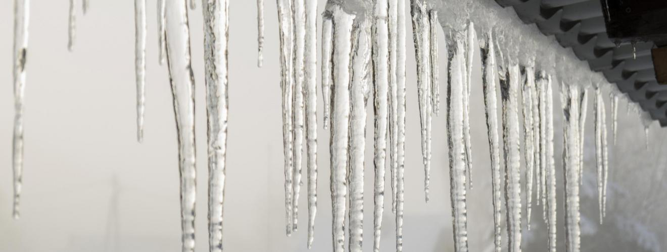 How Do You Stop Ice Dams from Forming?
