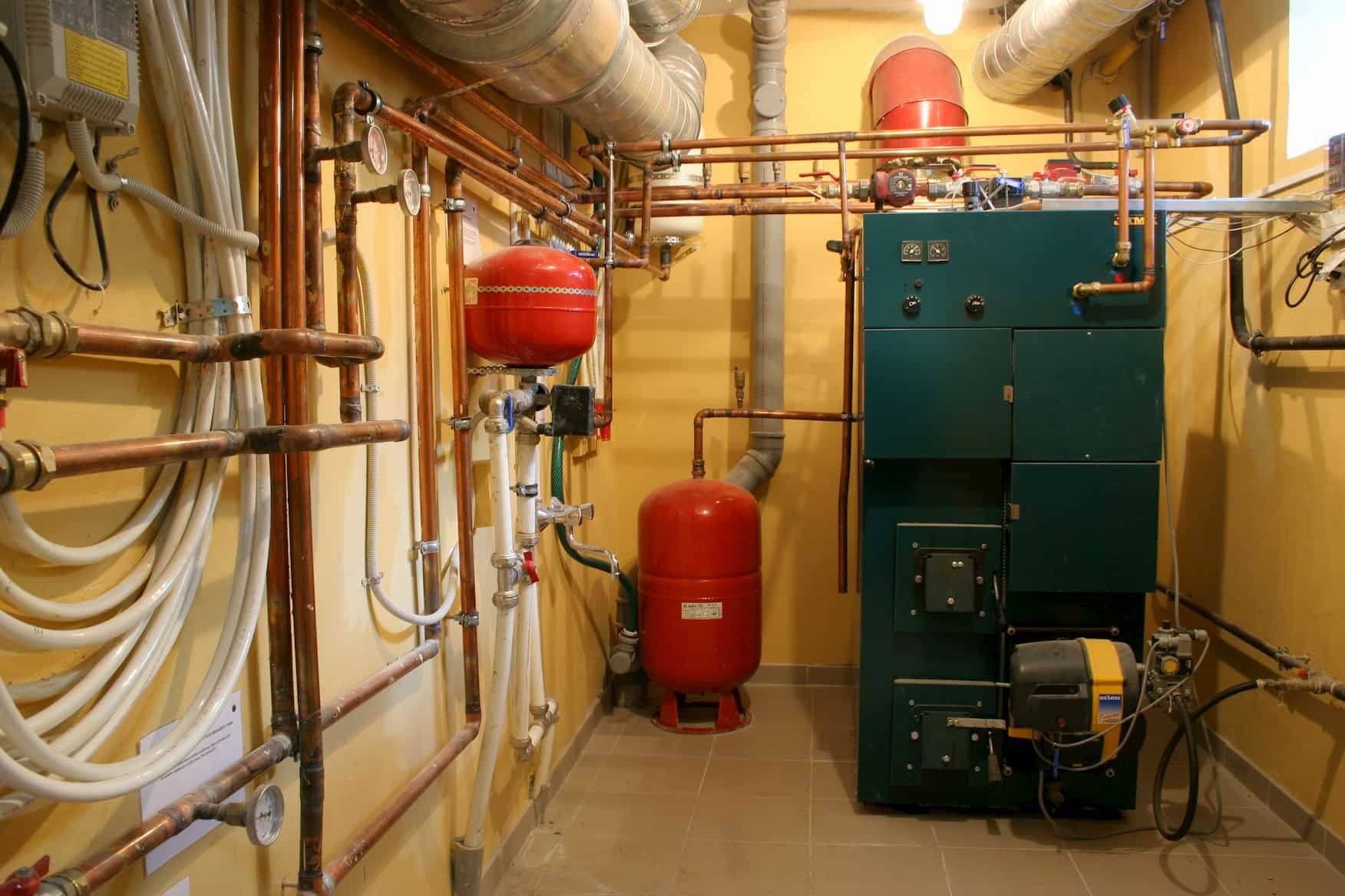 What is the average life expectancy of a furnace